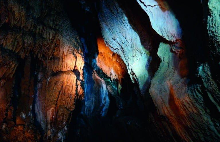 Peștera cu corali