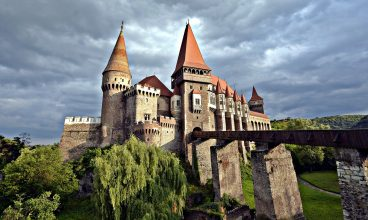 Castelul Corvinilor își redeschide porțile pentru turiști