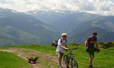 Din SUA, în Valea Jiului. Dana Bates promovează turismul hunedorean