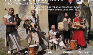Cimpoierii Transilvaniei aduc muzica medievală în centrul Devei
