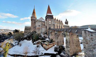 """Castelul Corvinilor candidează pentru titlul de """"Marcă a patrimoniului european"""""""