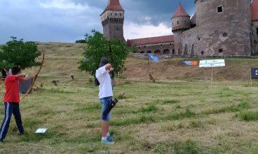 Întrecere între arcașii, la Castelul Corvinilor