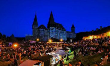 Mii de vizitatori, la Castelul Corvinilor, în Noaptea Muzeelor