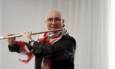 Flautul fermecat vine să încânte publicul devean