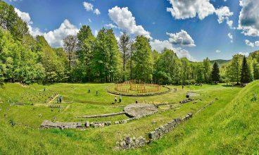 Incursiune în istorie, la Sarmizegetusa Regia. O zi de tururi ghidate pe șantierul arheologic